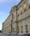 La facciata della Reggia di Caserta, la più bella d'Europa dopo Versailles
