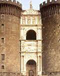 L'arco di trionfo del Castel Nuovo, voluto da Alfonso d'Aragona